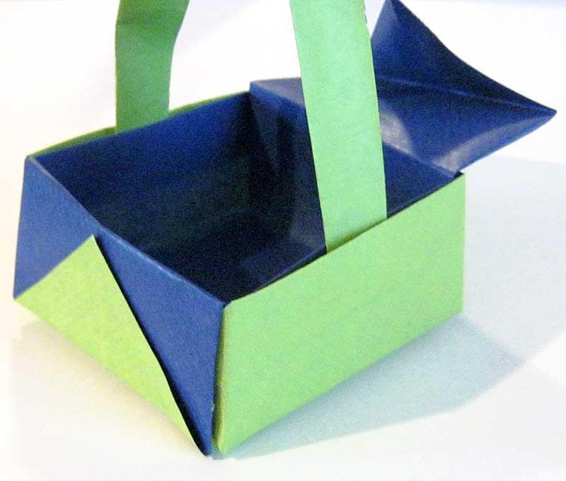 osterbasteleien korb oder schachtel aus papier falten. Black Bedroom Furniture Sets. Home Design Ideas