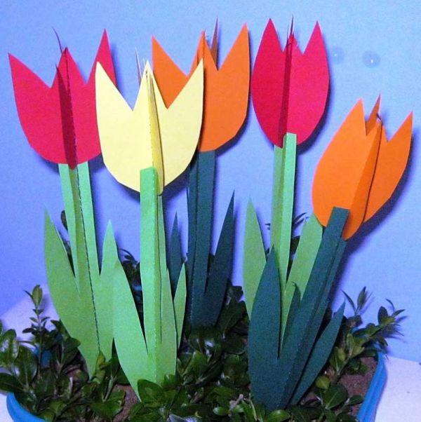 bastelvorlagen ostern 3d tulpen aus tonpapier selber basteln. Black Bedroom Furniture Sets. Home Design Ideas